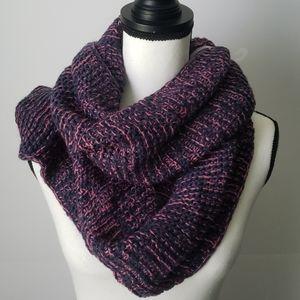 Brand Infinity Crochet Knit Scarf Navy & Pi